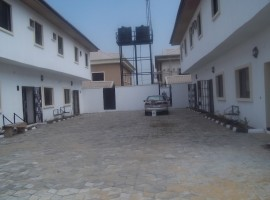 4 Units of 3 bedroom Town houses in Lekki Phase 1