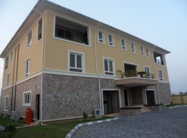 3 Bedroom Penthouse in Banana Island for lease